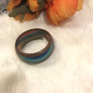 Jewelry - Wood bracelet with colors